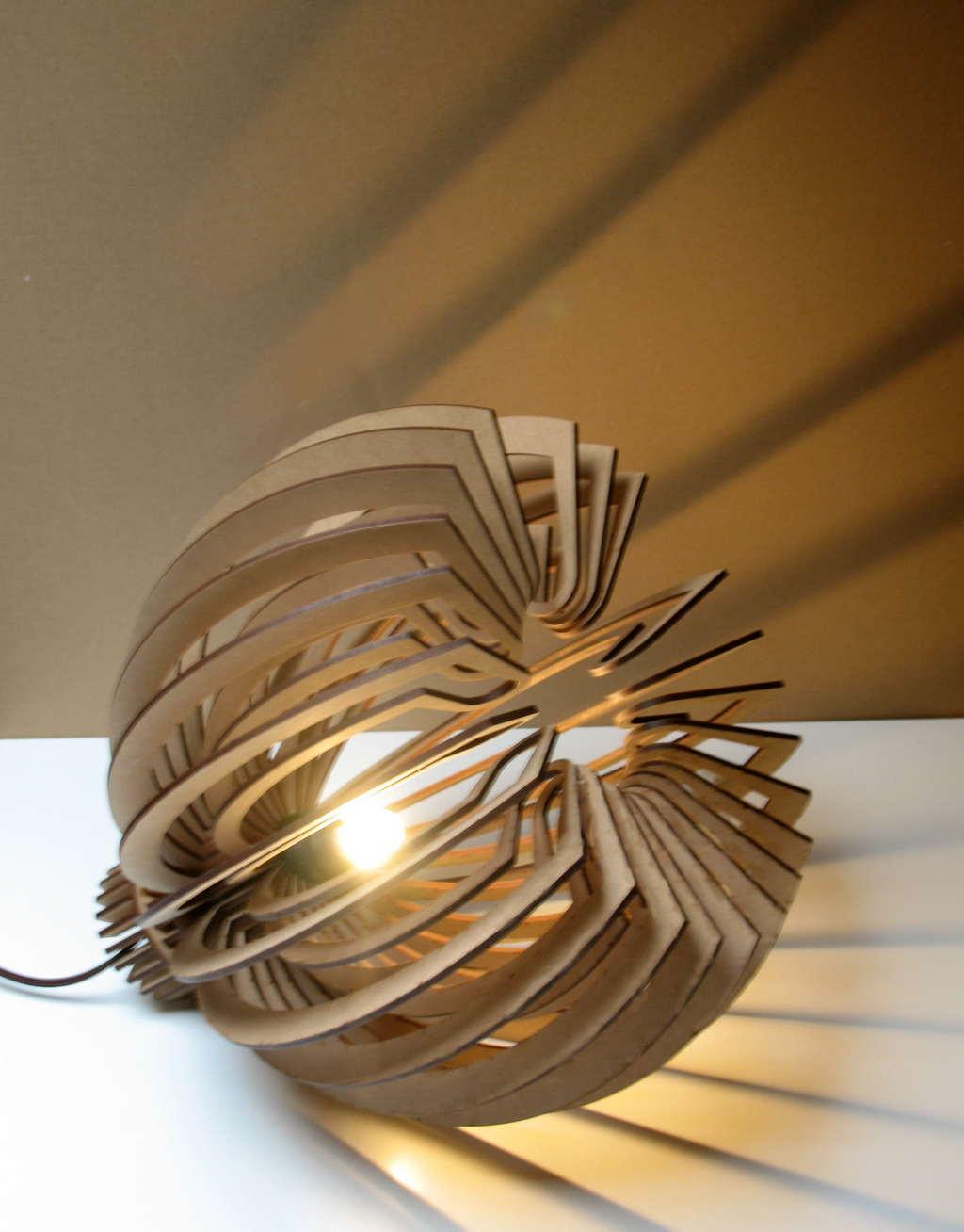 Lampada di design in legno - Lampada di design ...